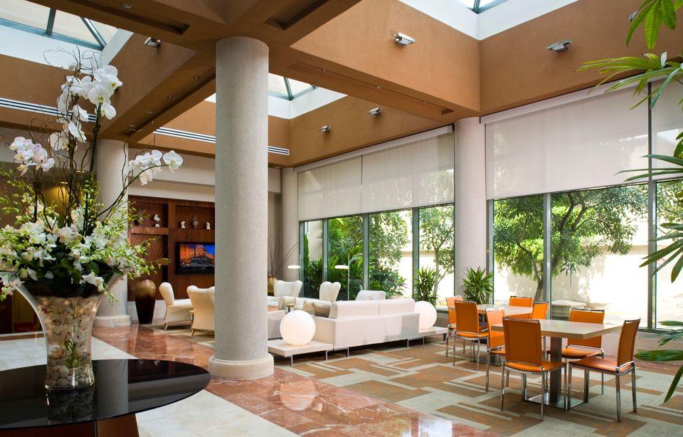 Doubletree-San-Juan-lobby.jpg