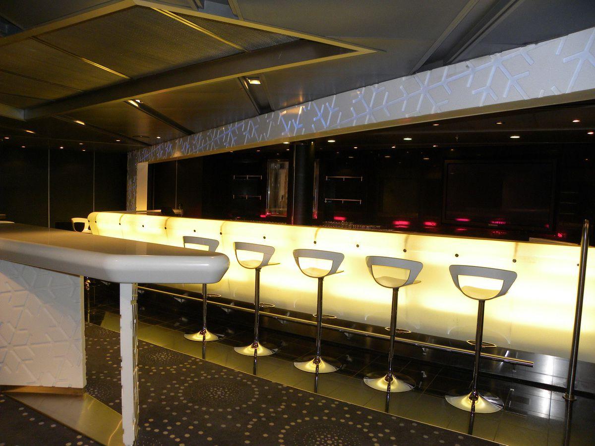 Nieuw Amsterdam - Northern Lights Disco and Bar