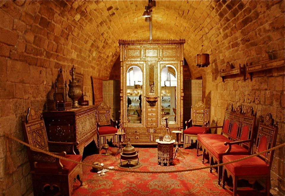Akko-Acre-Israel-Treasures-in-the-Walls-Museum-Wikimedia-Amos-Gal.jpg