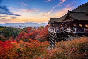 Kiyomizudera temple in Kyoto in the fall