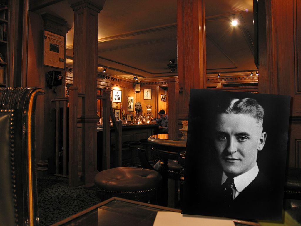 El Hemingway Bar en París es ahora un sitio que conmemora al famoso escritor estadounidense
