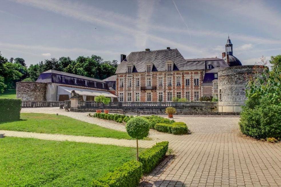 Chateau d'Etoges