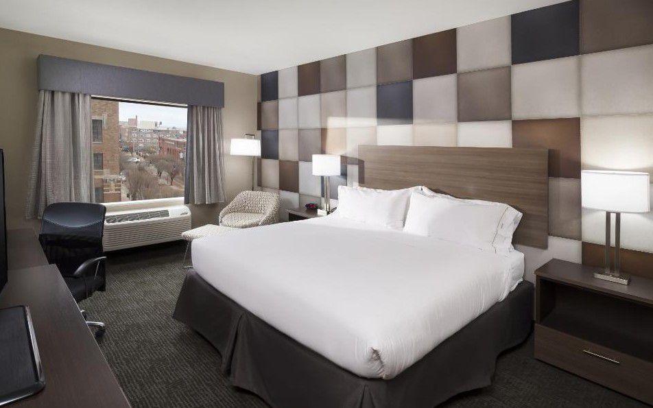 Holiday Inn Express & Suites Oklahoma City Downtown - Bricktown