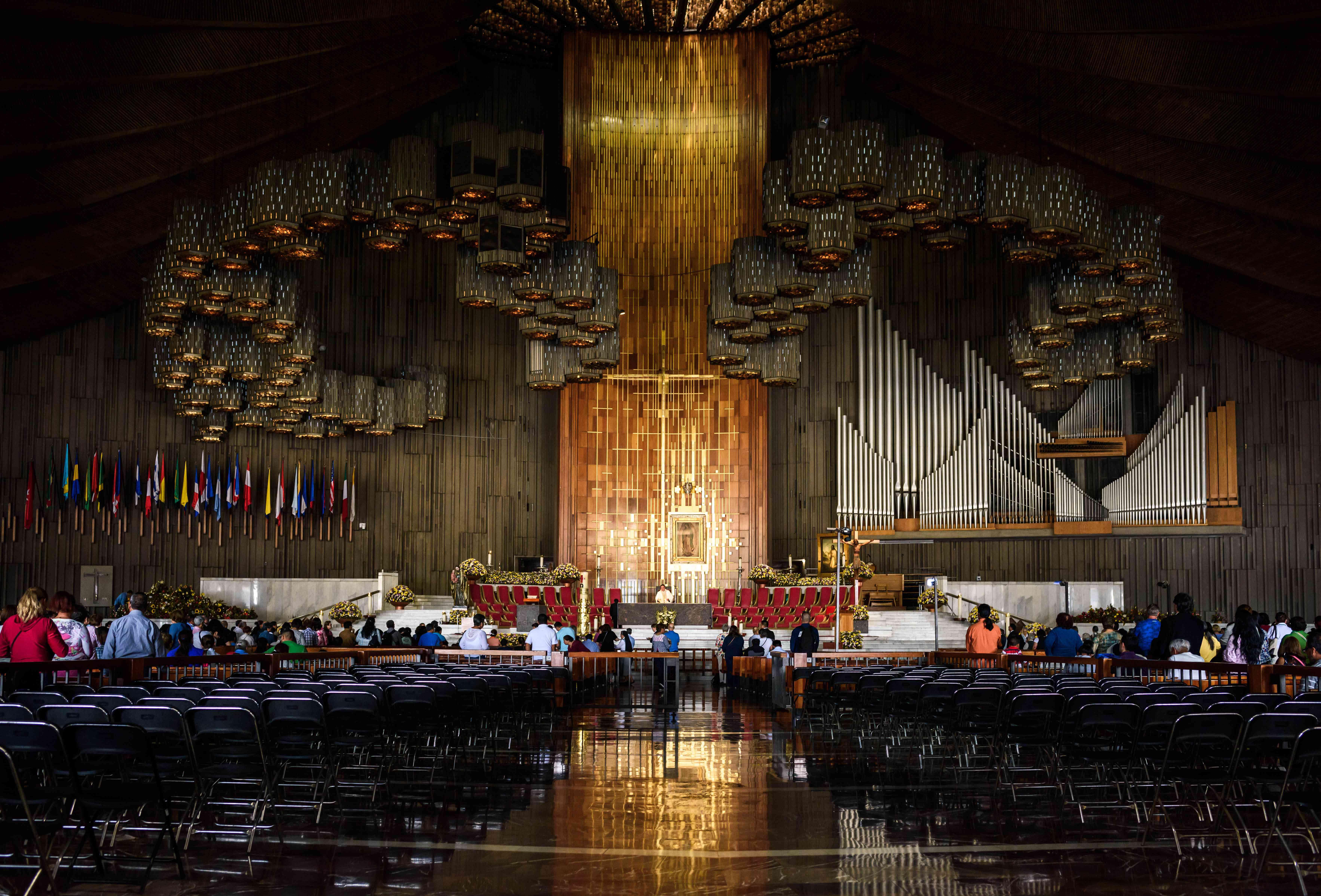 Inside the Basillica de Guadalupe