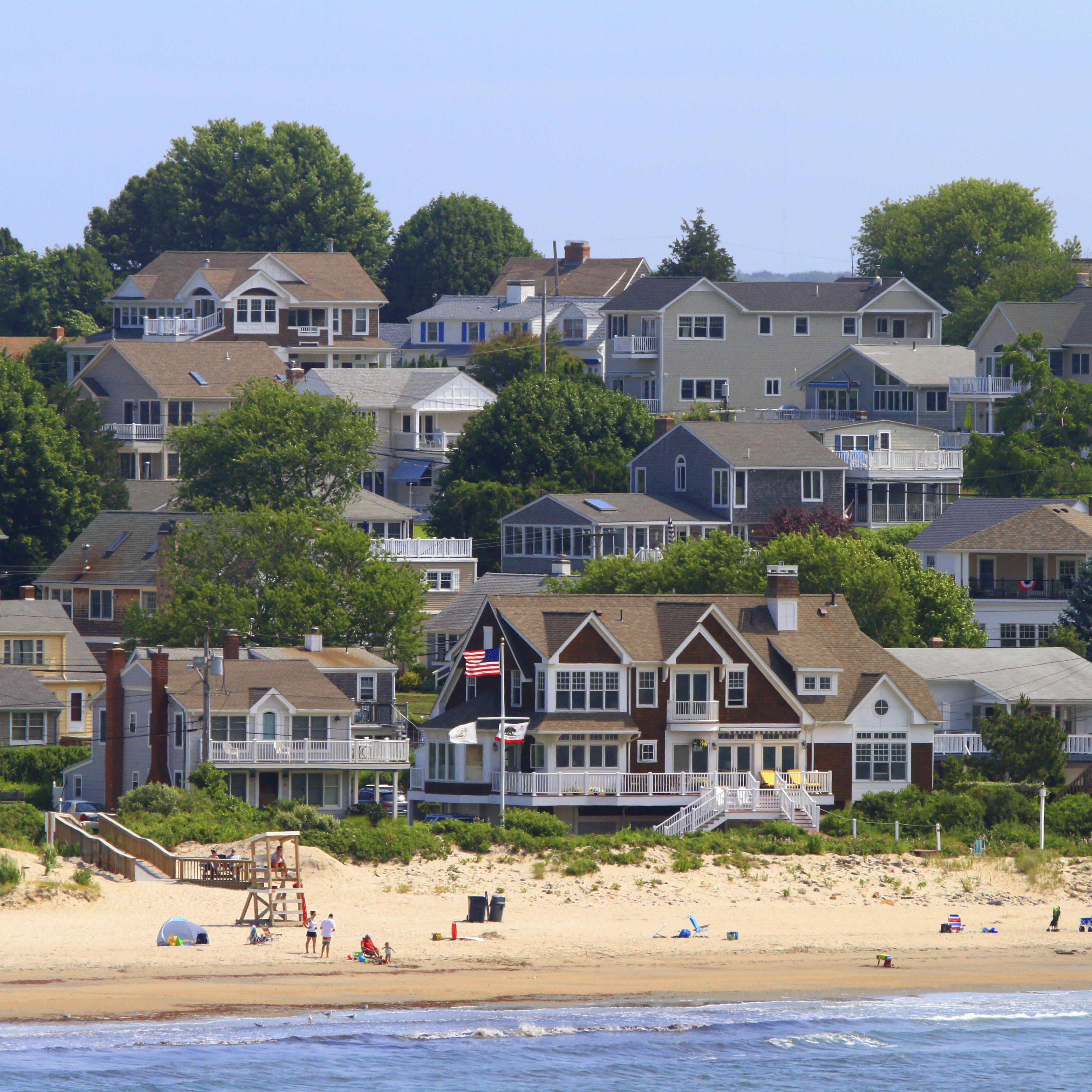 Fine Durkin Cottage Realty In Narragansett Rhode Island Home Interior And Landscaping Ferensignezvosmurscom