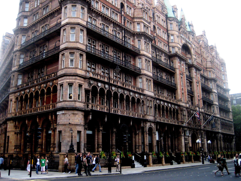 Russel Hotel in London