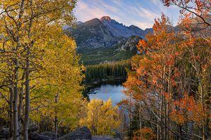 Longs Peak Bear Lake autumn