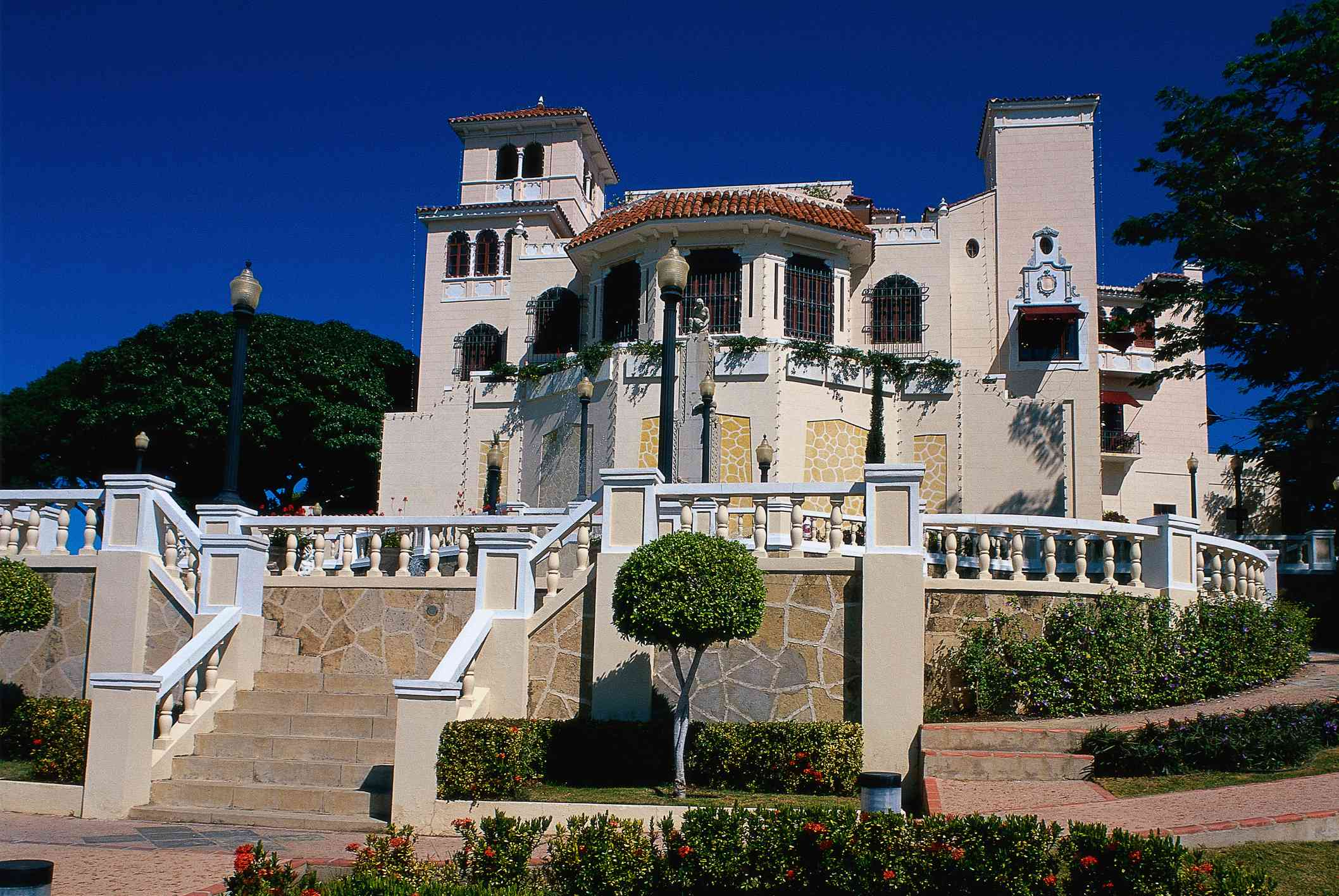 Edificio principal del Castillo Serralles