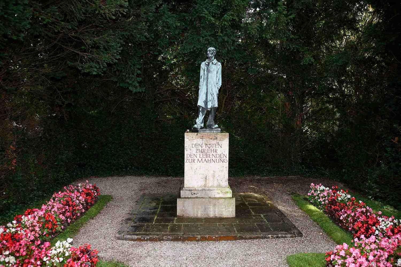'Den Toten Zur Ehr Den Lebenden Zur Mahnung' Memorial, Dachau Concentration Camp Memorial Site