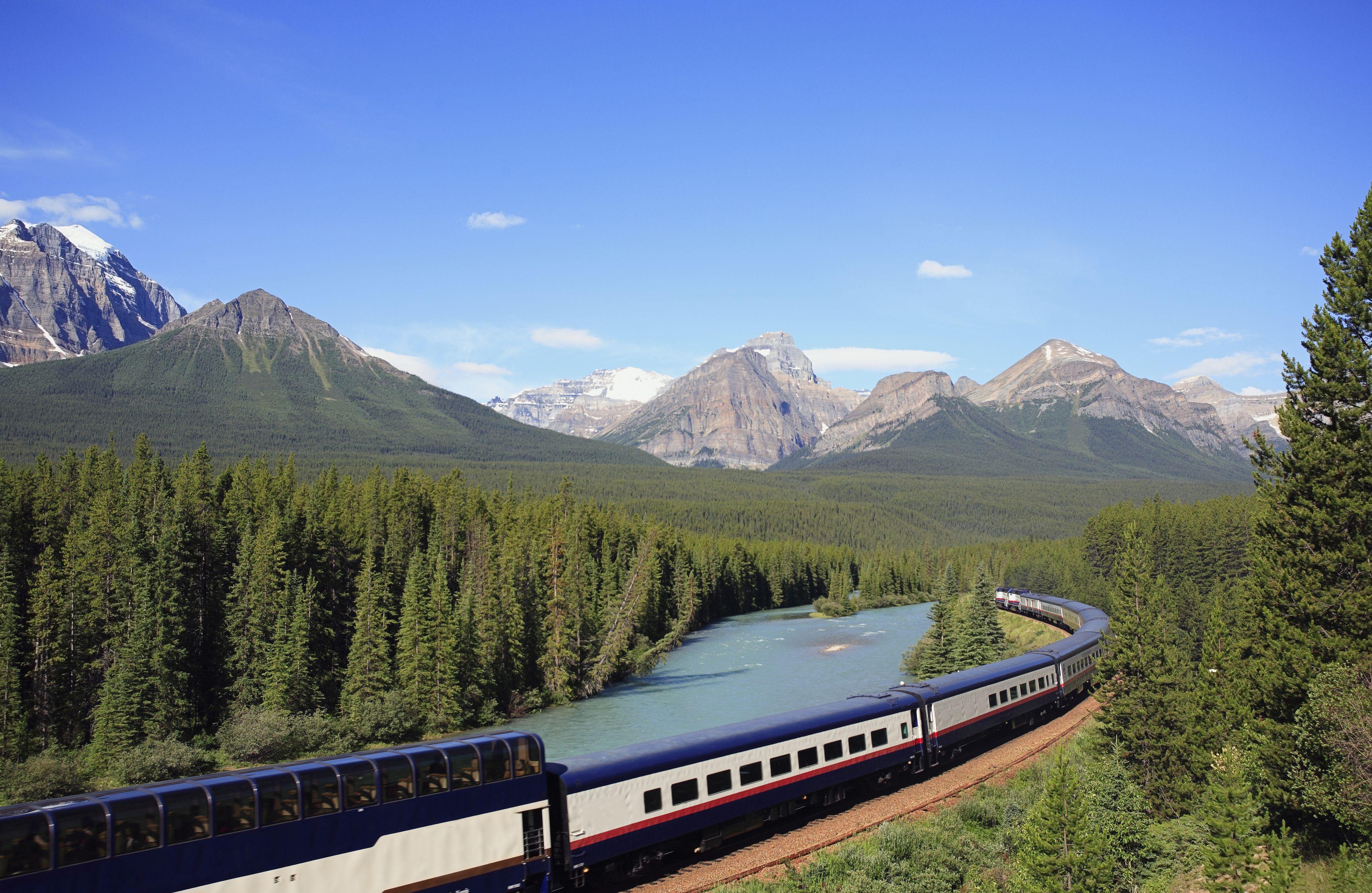 5 best train trips in Canada