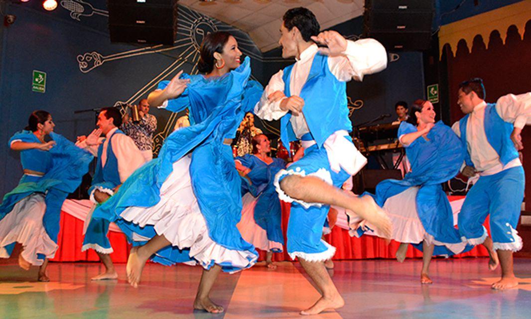 Bailarines en La Candelaria
