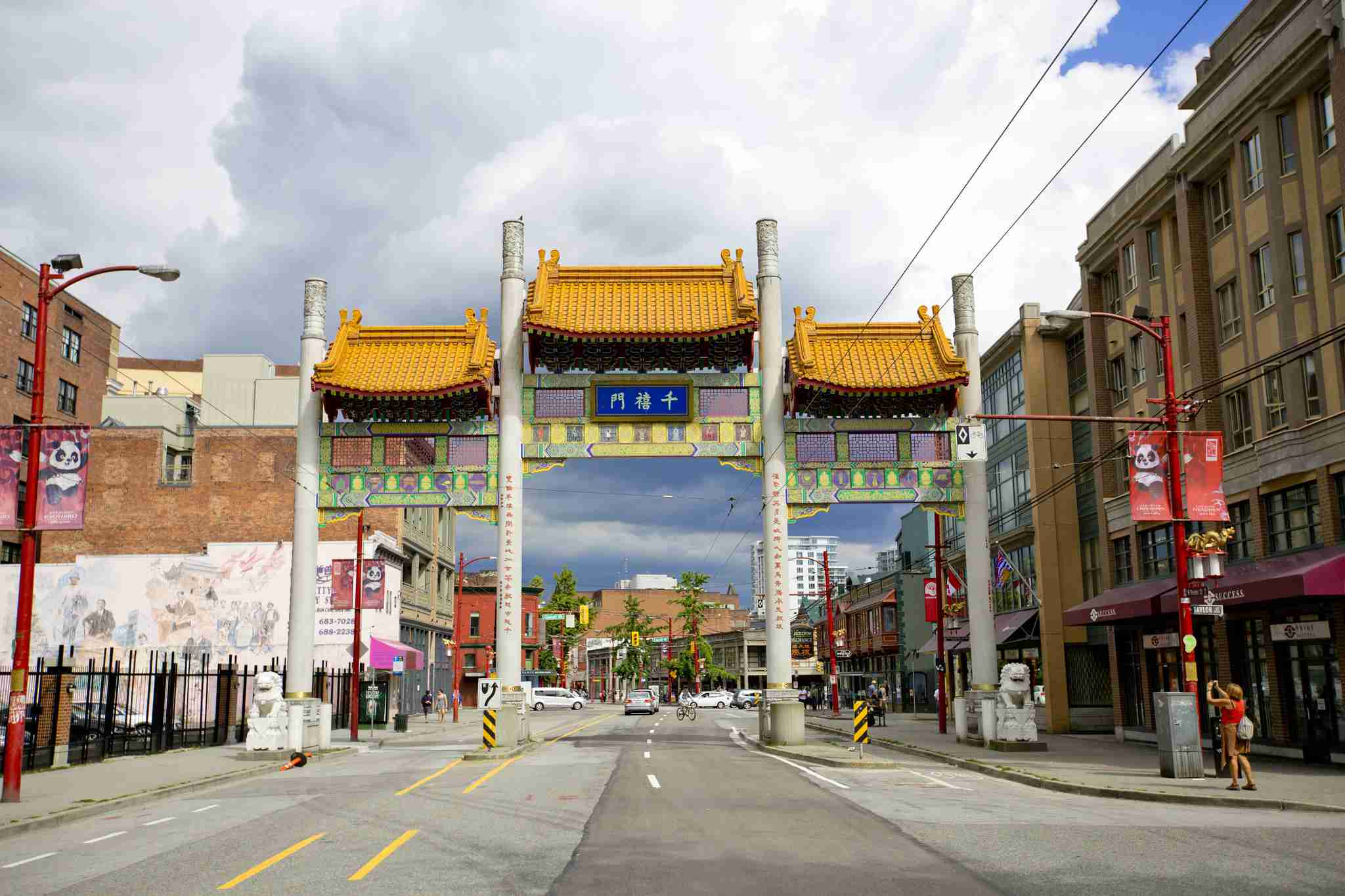 Chinatown Millennium Puerta