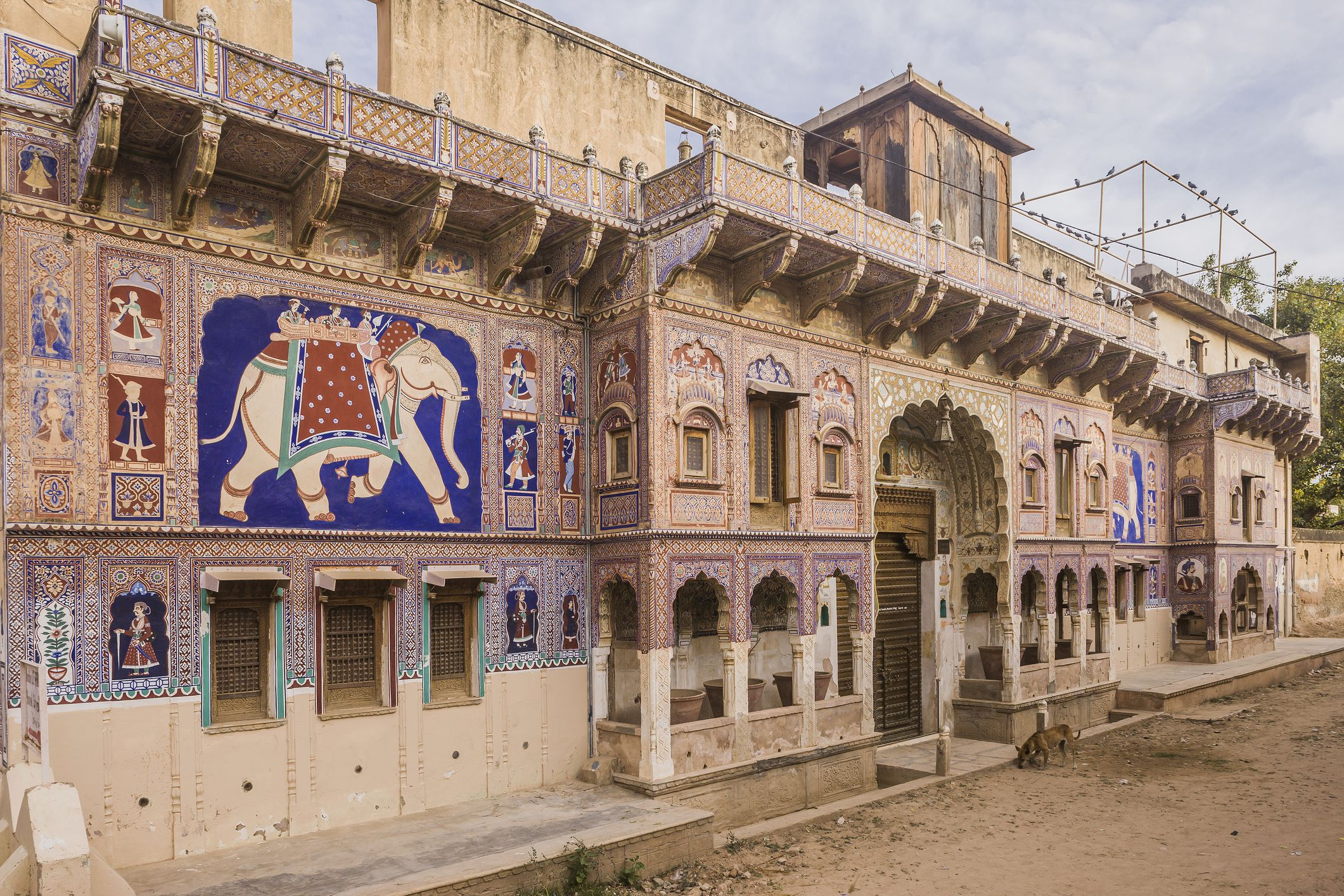 The entrance of a typical house (haveli)
