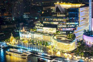 IconSIAM in Bangkok lit up at night