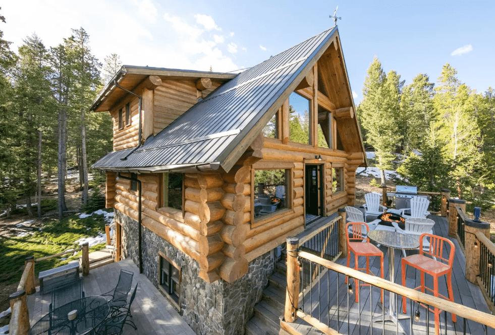 Log Cabin in Black Hawk