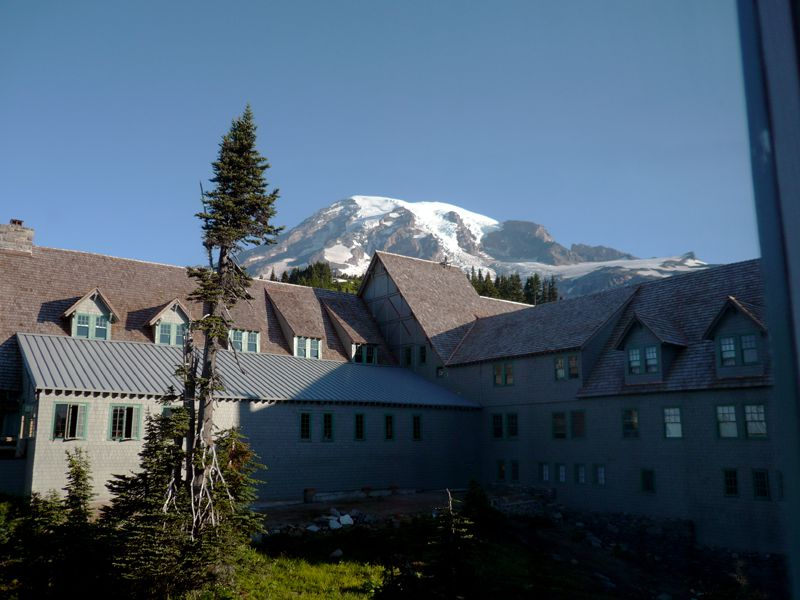 Vista desde la habitación anexo de huéspedes en Paradise Inn en el Parque Nacional Monte Rainier
