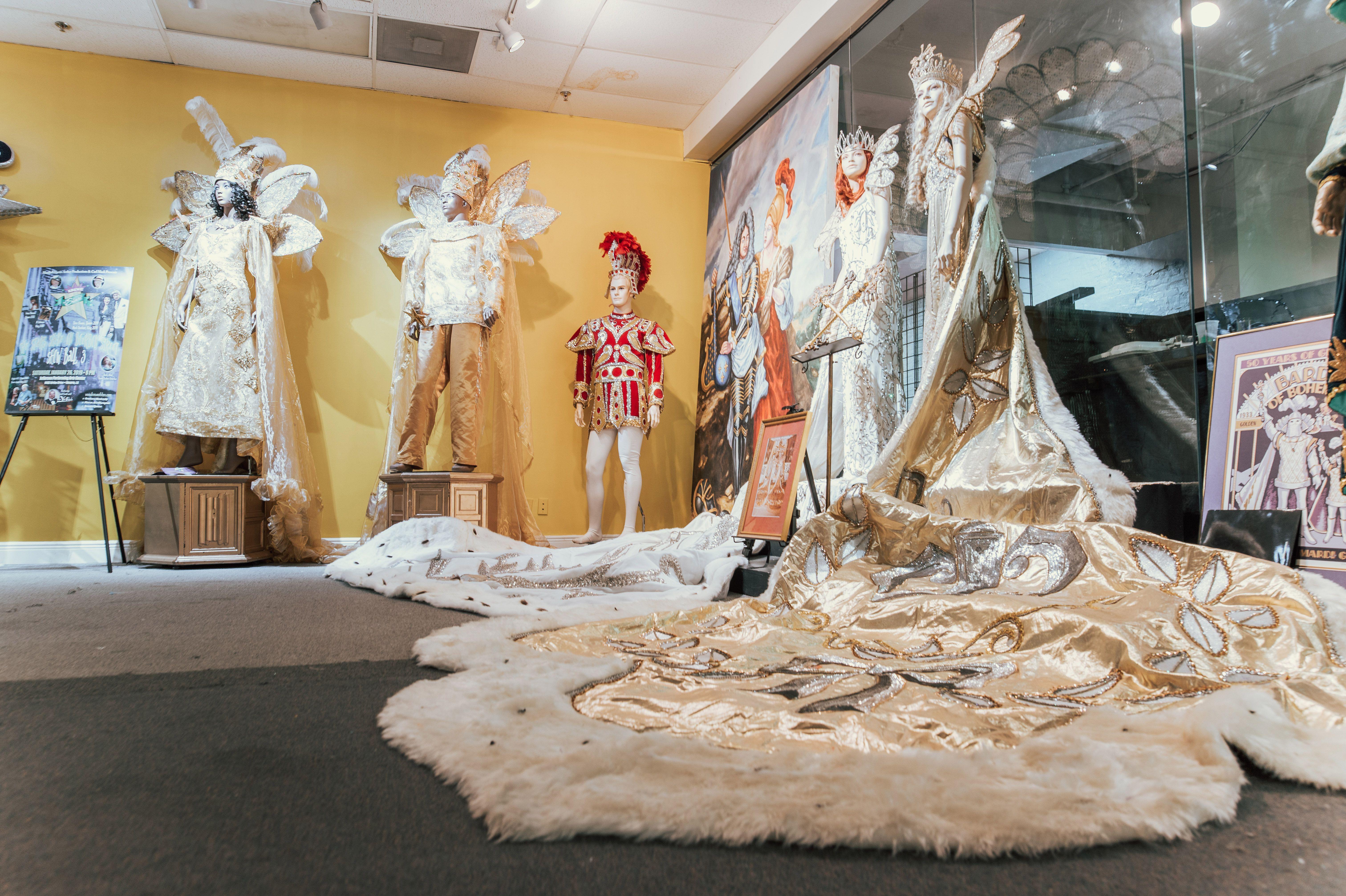 Exhibición de ropa en el Museo Mardi Gras