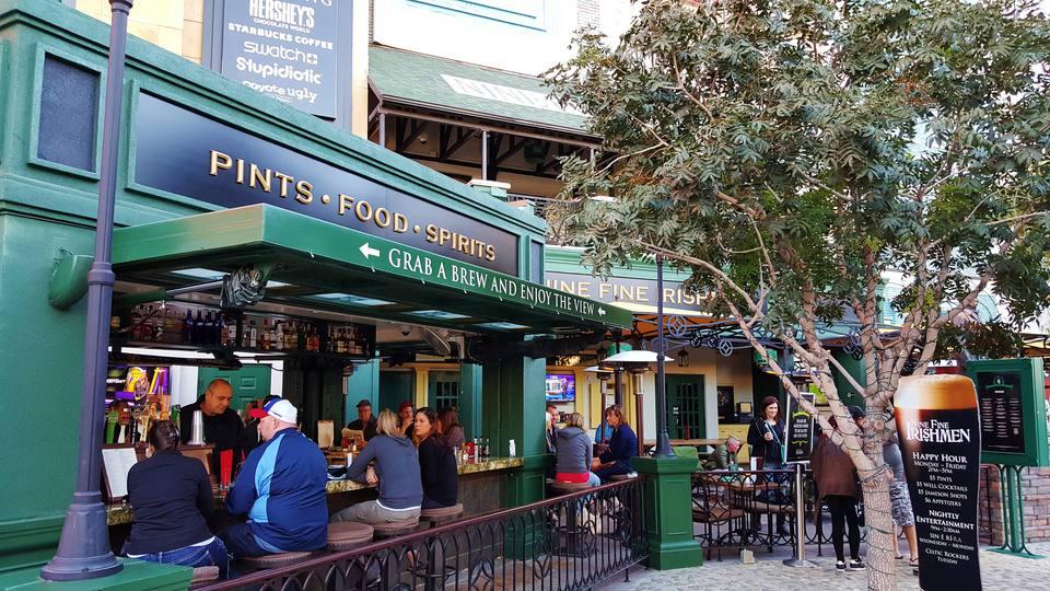 Beers At Nine Fine Irishmen New York Hotel