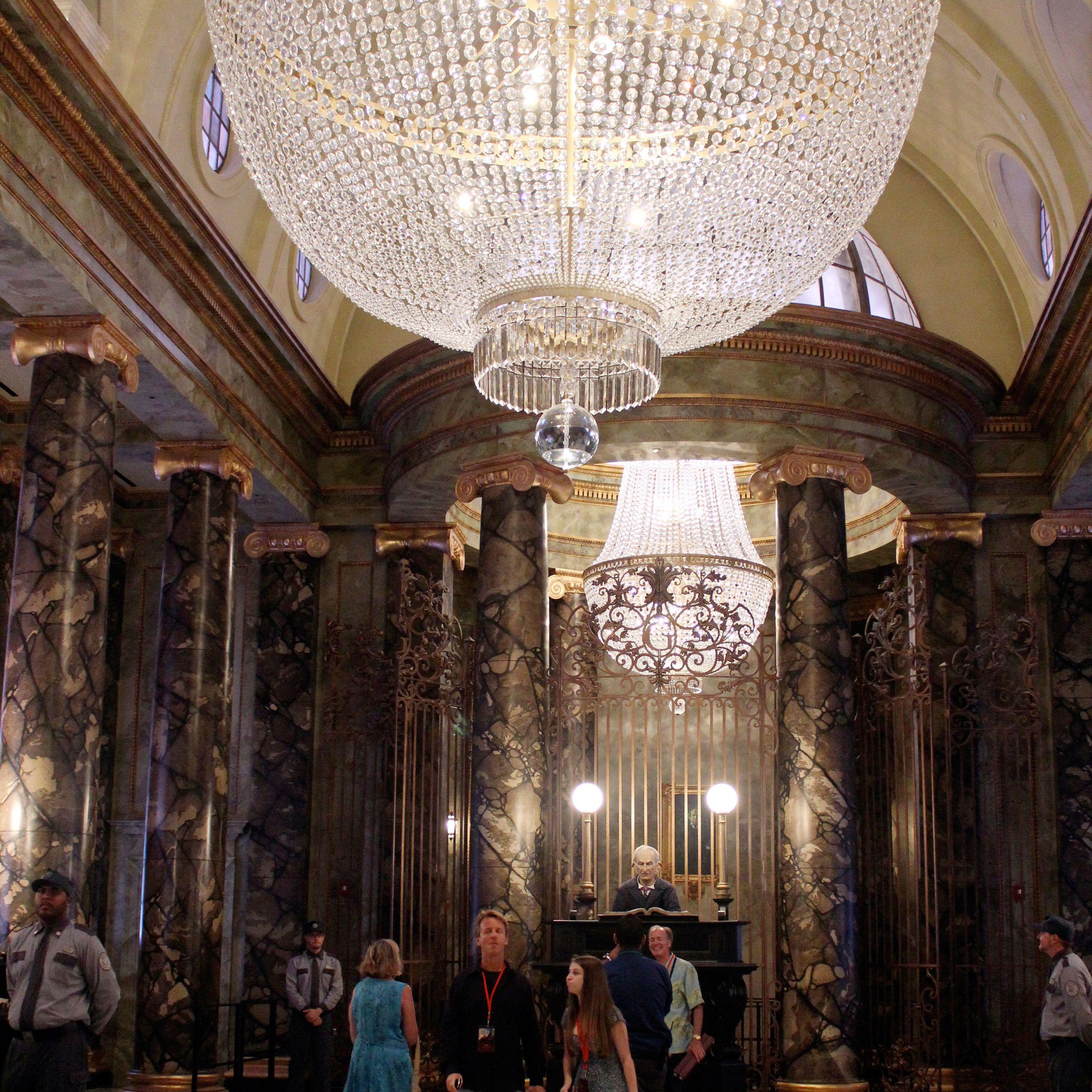 Gringotts-Bank-Lobby.jpg