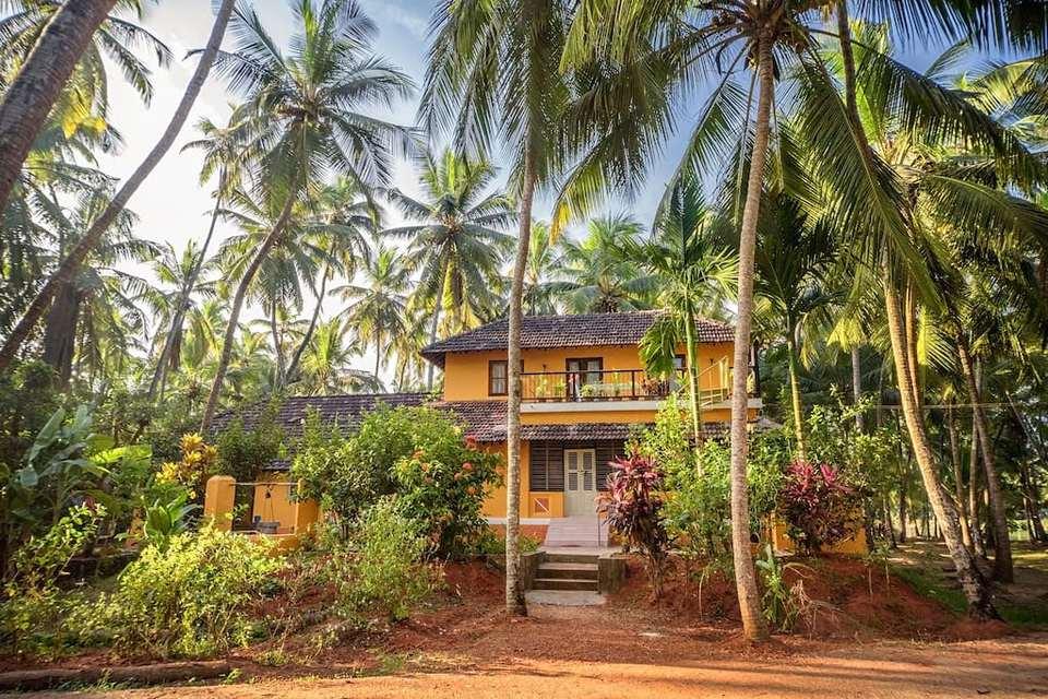 Saffron Stays Suvarna Sangam