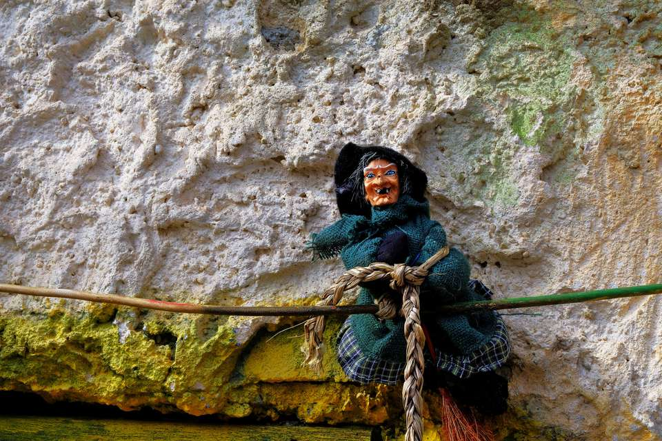 Epiphany on a broomstick, the good witch that brings children toys
