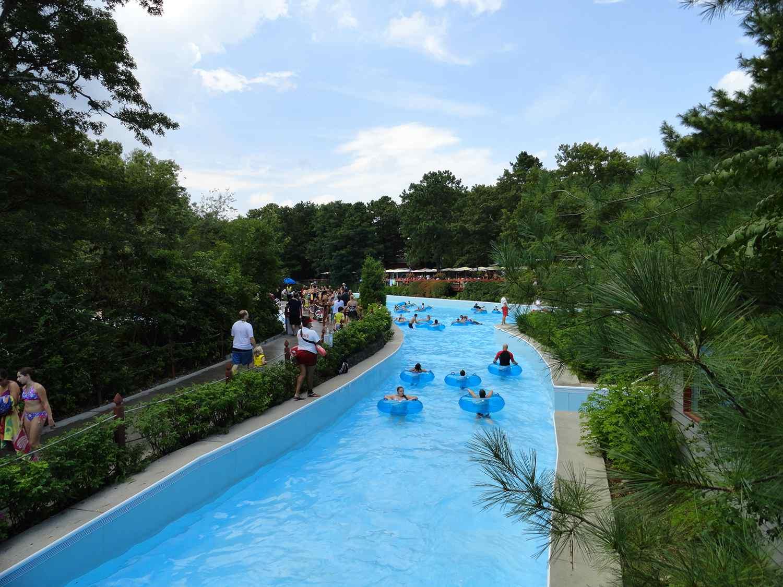 lazy river at splish splash water park