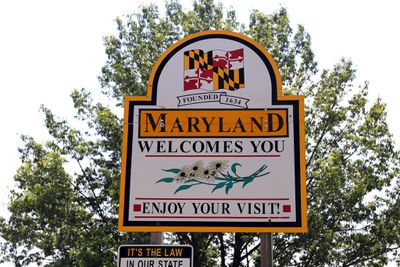 """""""Maryland Welcomes You"""" at the Maryland-Pennsylvania Border"""