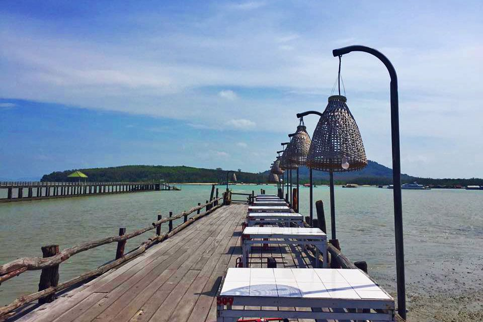 Pier, Laem Hin Seafood