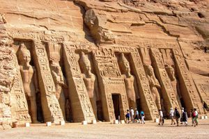 Crowds walking into Nefertari's temple at Abu Simbel