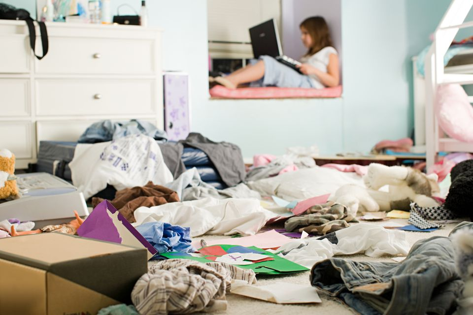 clutter in student's room