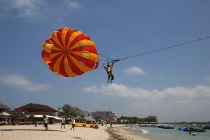 Parasailing at Tanjung Benoa, Bali