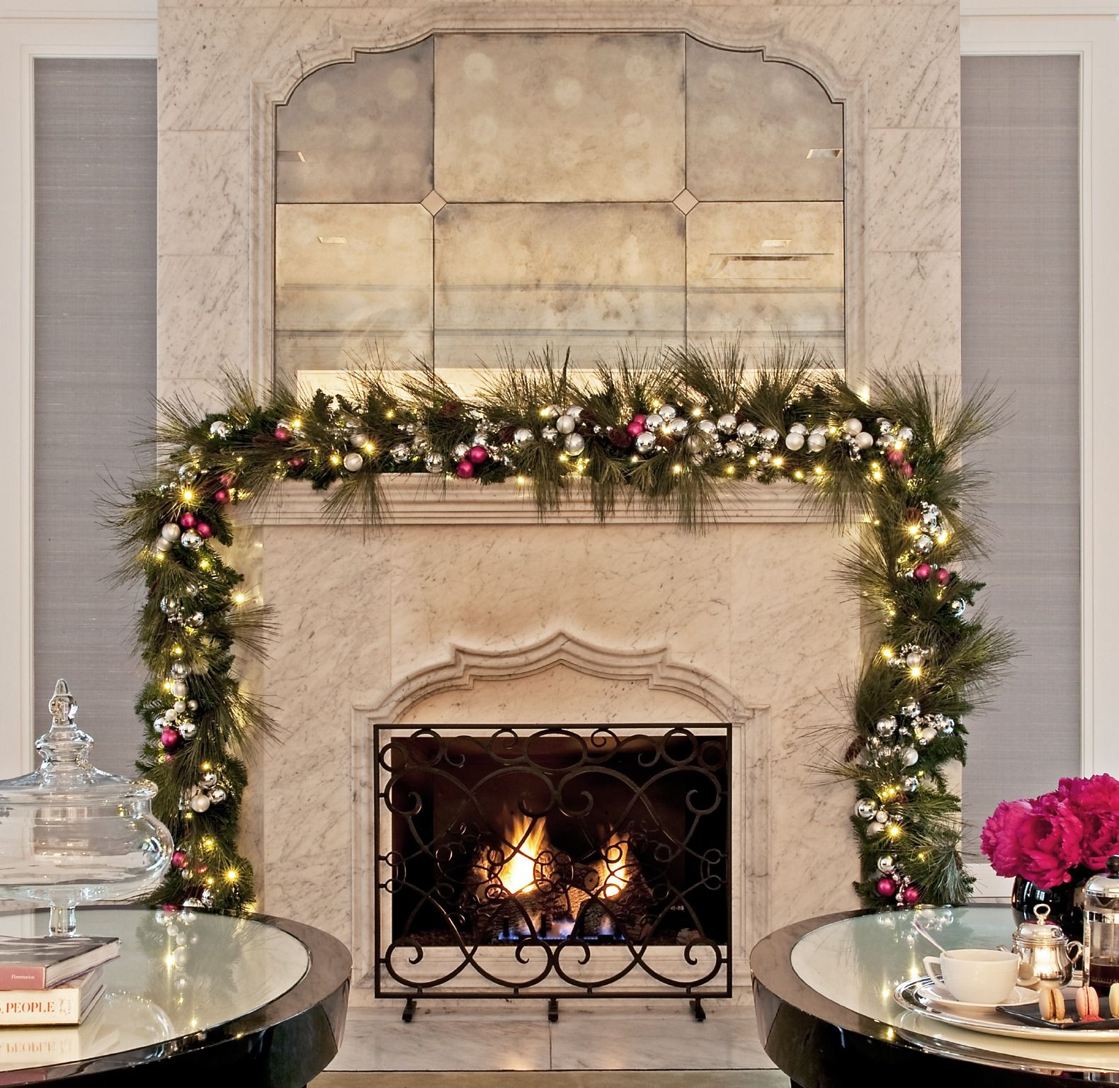 Savor the Season with Afternoon Holiday Tea Service in Chicago
