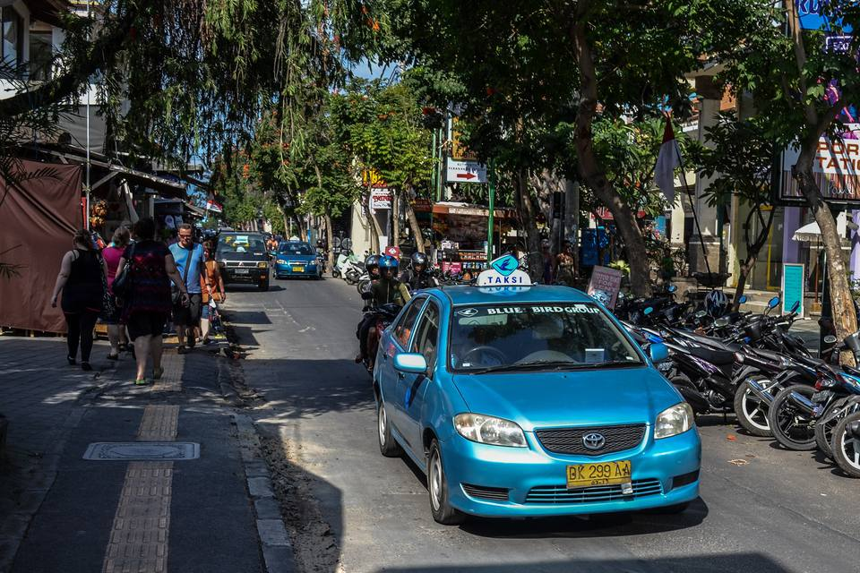 Blue Bird Taxi in Kuta, Bali
