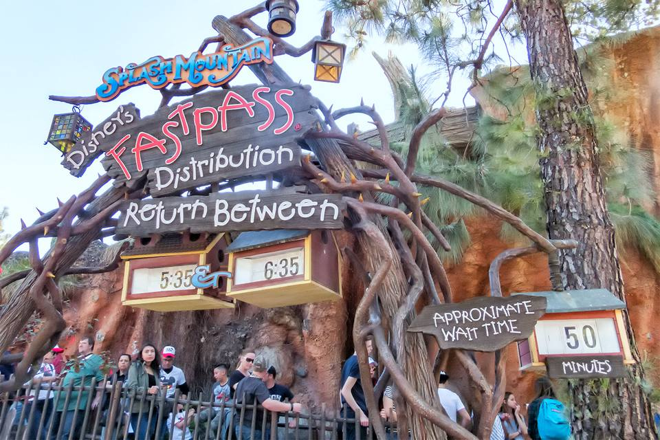 Disneyland FASTPASS Distribution