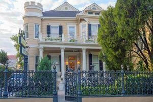 Haunted New Orleans Hotel - Cornstalk Hotel