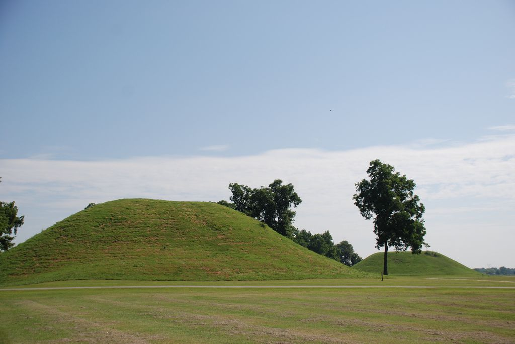 Toltect Mounds state park