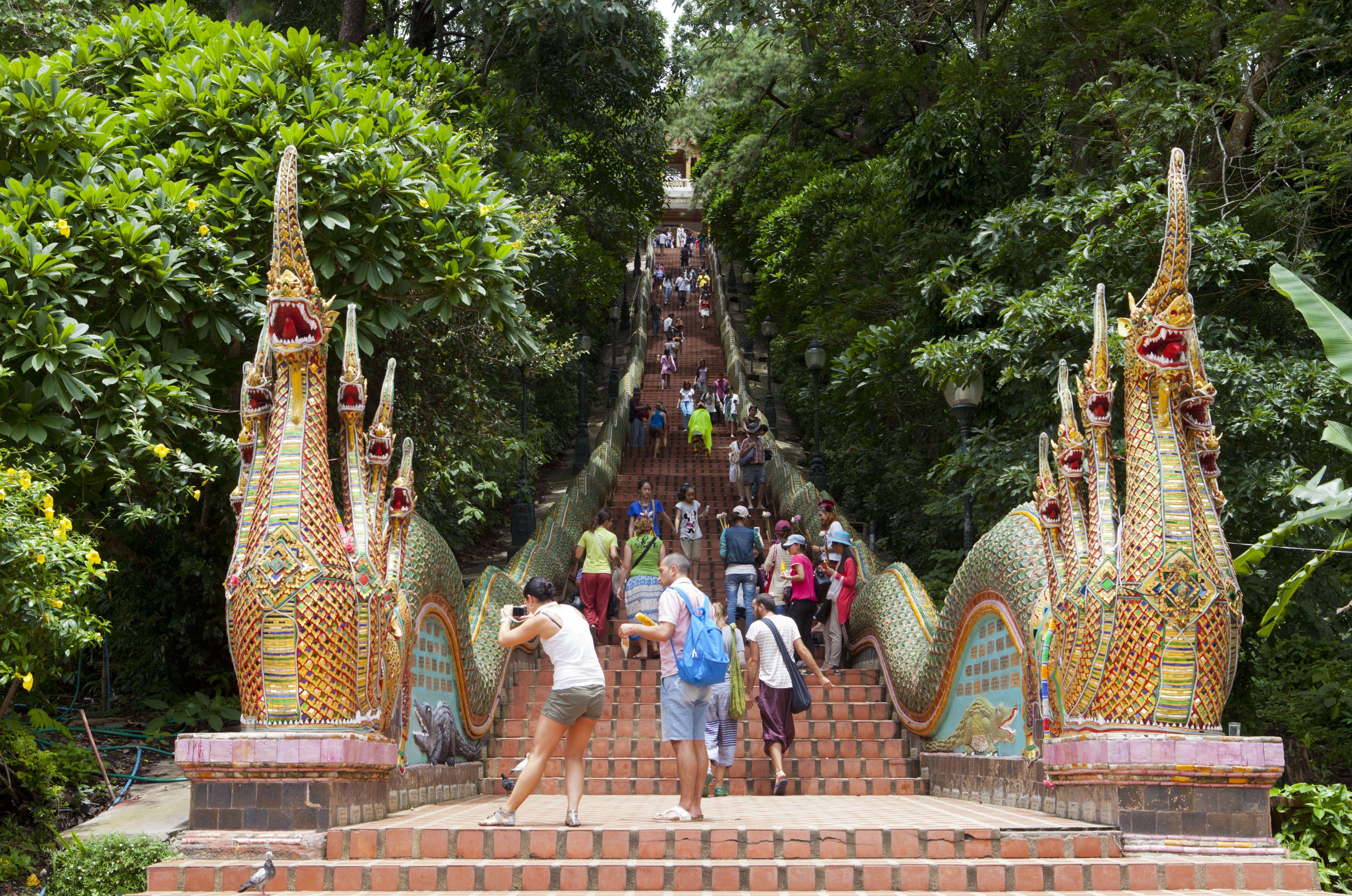 Wat Doi Suthep pasos