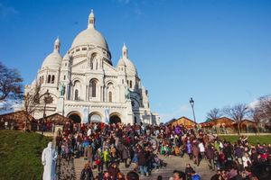 Crowd outside the Sacre Couer