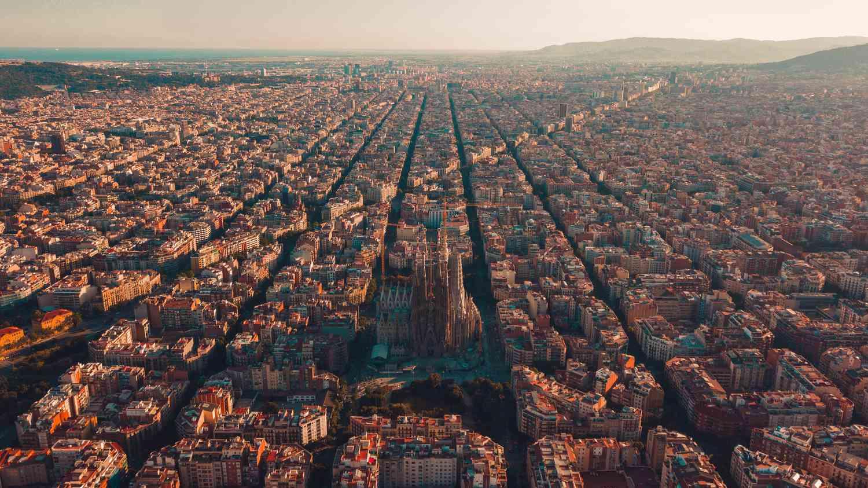 Horizonte de la ciudad de Barcelona, España
