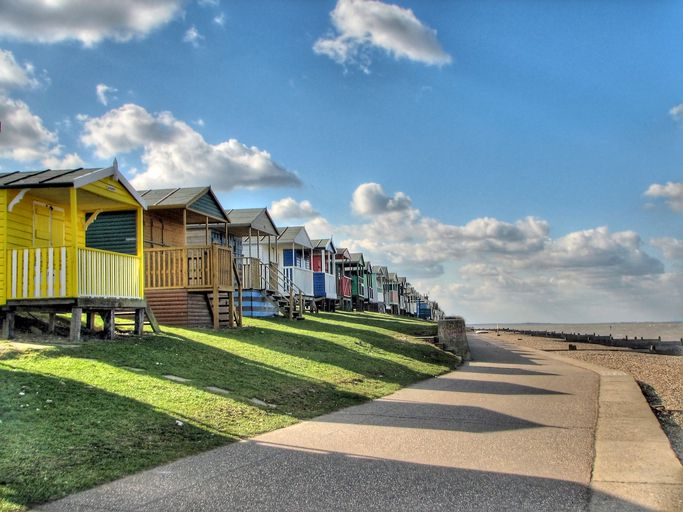 Coloridas cabañas de playa en Whitstable