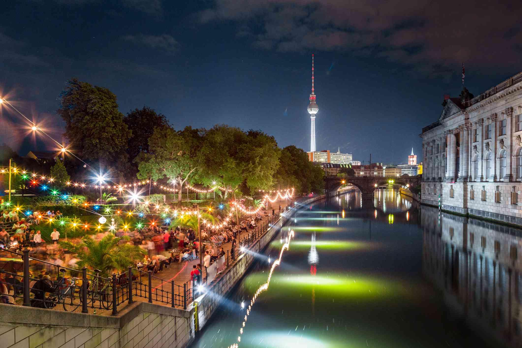Monbijou Park Berlin