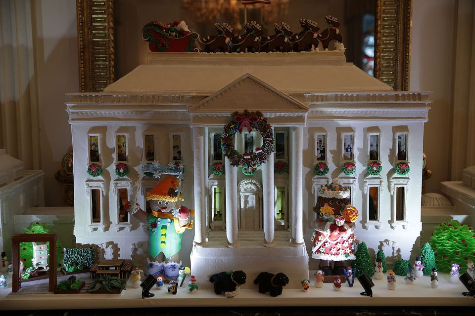 2016 white house gingerbread house - White House Christmas Decorations 2016