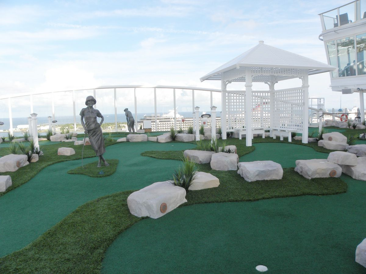 Oasis of the Seas - Dunes Miniature Golf Course