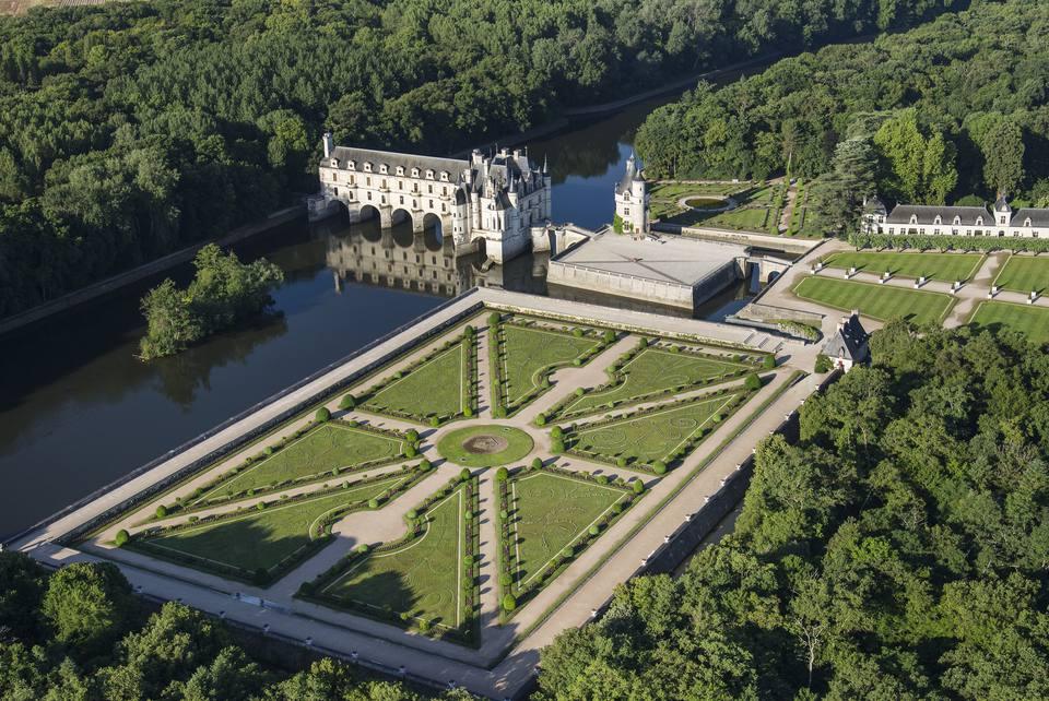 France, Indre et Loire, Chenonceau, Chenonceau castle, Diane de Poitiers garden (aerial view)