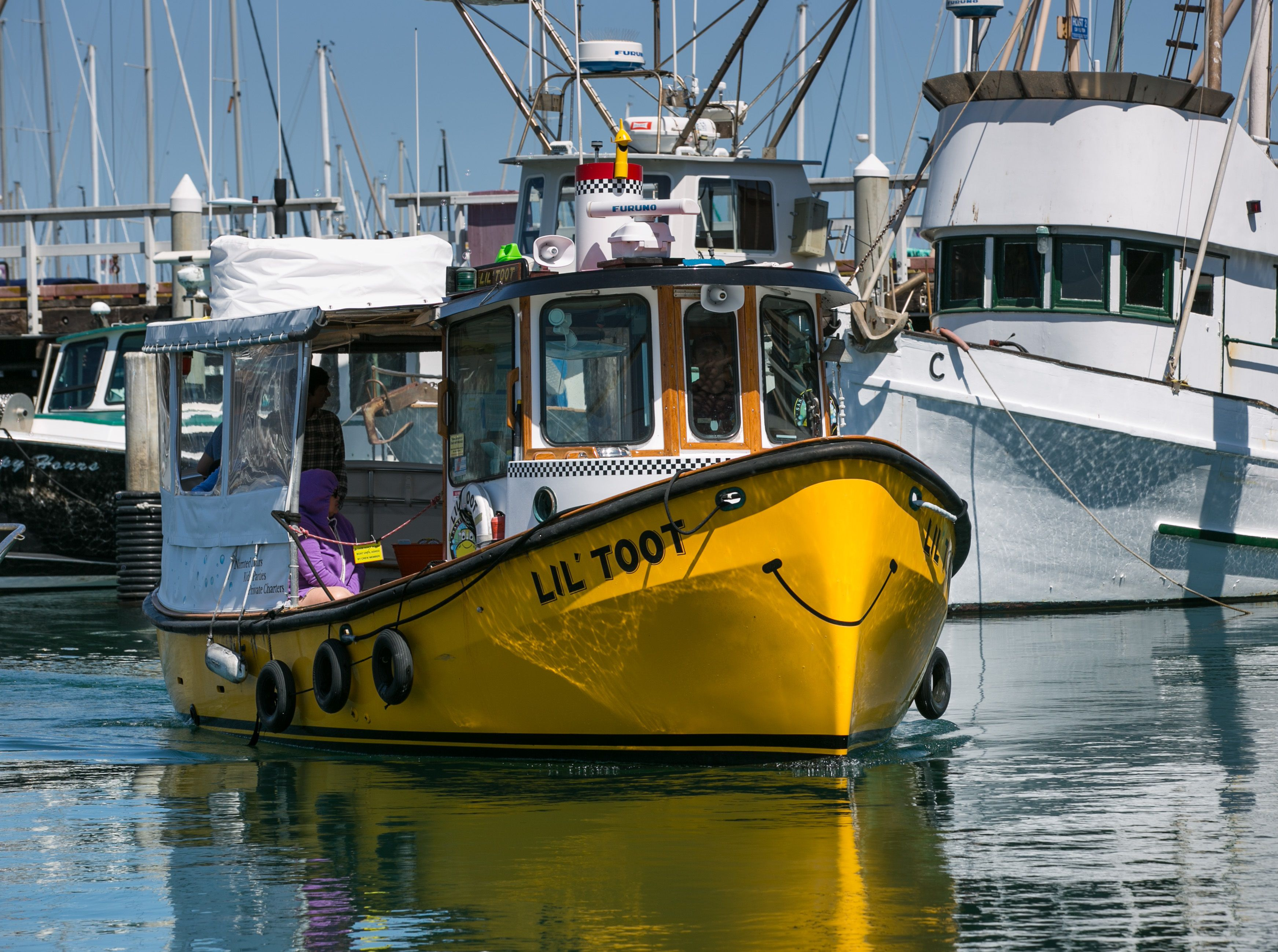 Lil' Toot Water Taxi in Santa Barbara