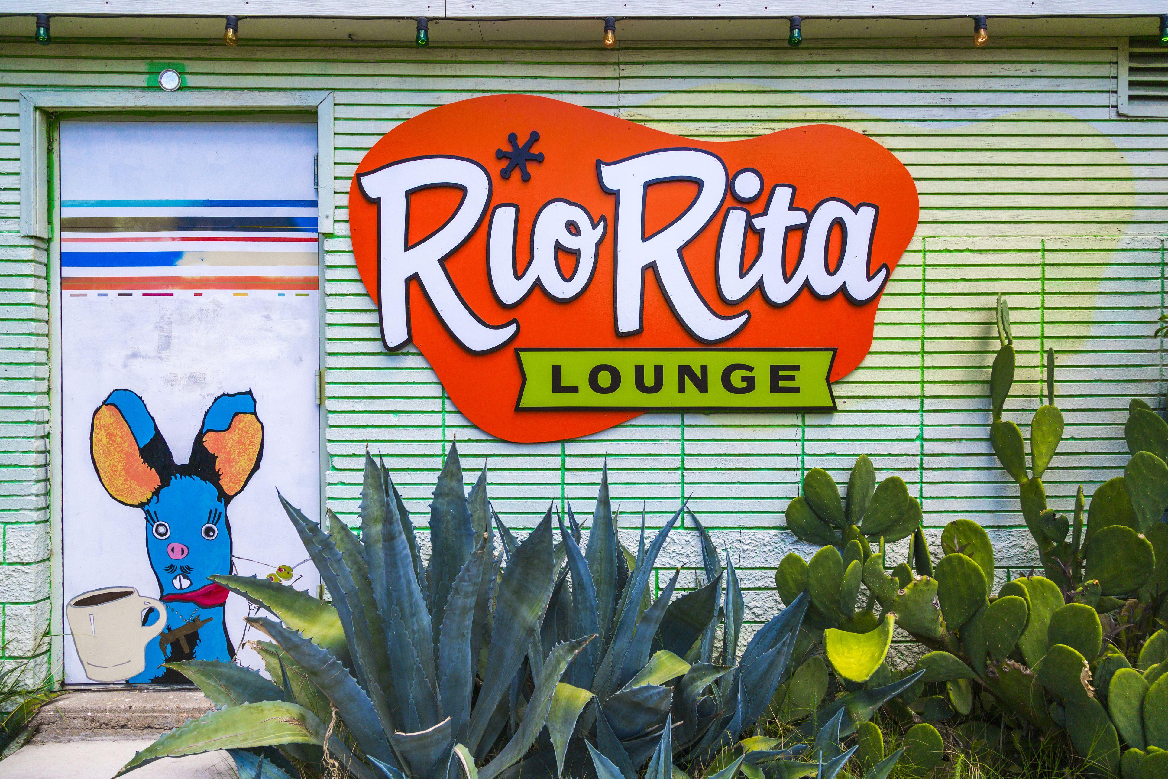 Retro lounge in East Austin