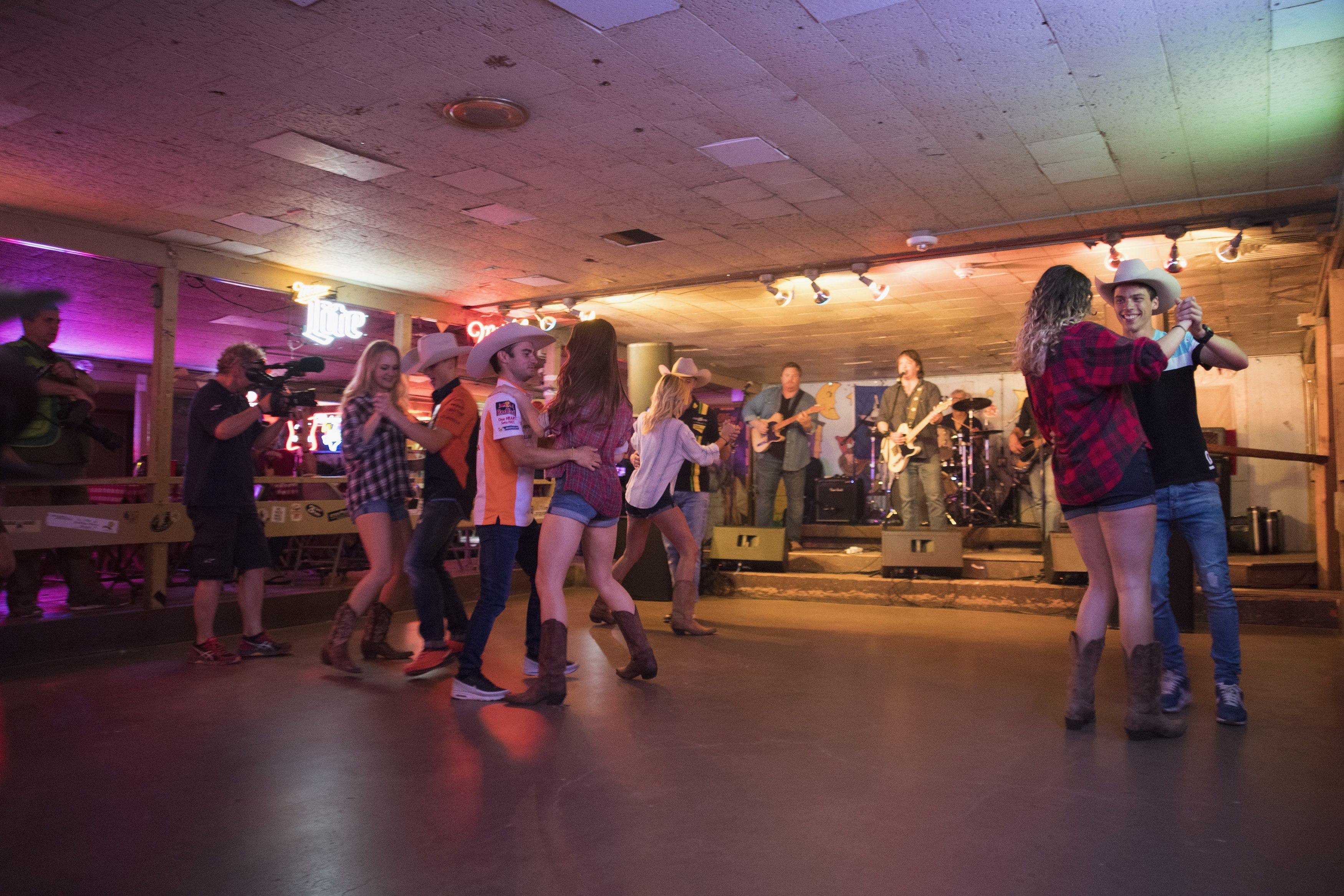 13 Best Bars in Austin, TX