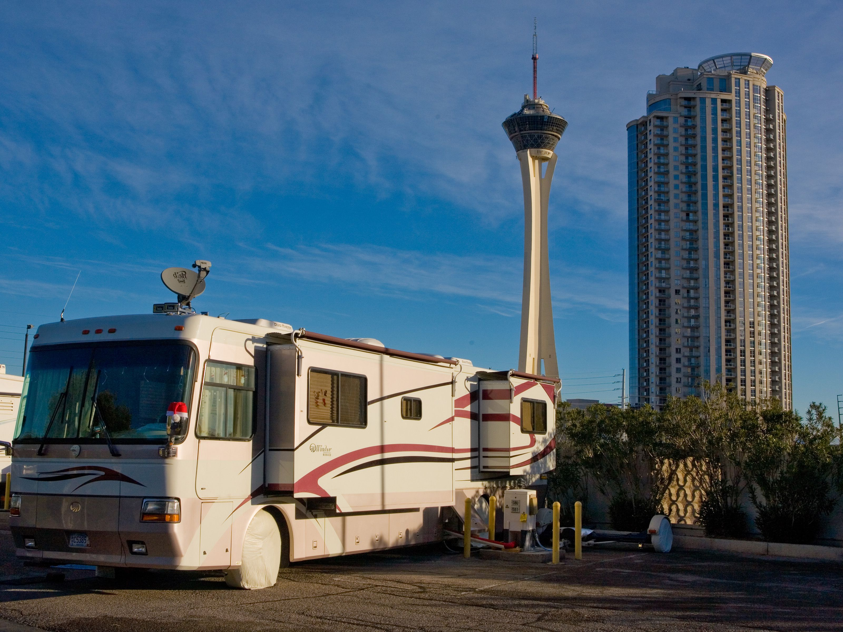 RV vs Hotels: Which One Is Cheaper?