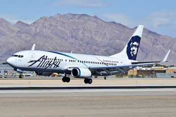 Alaska Airlines Boeing 737-890