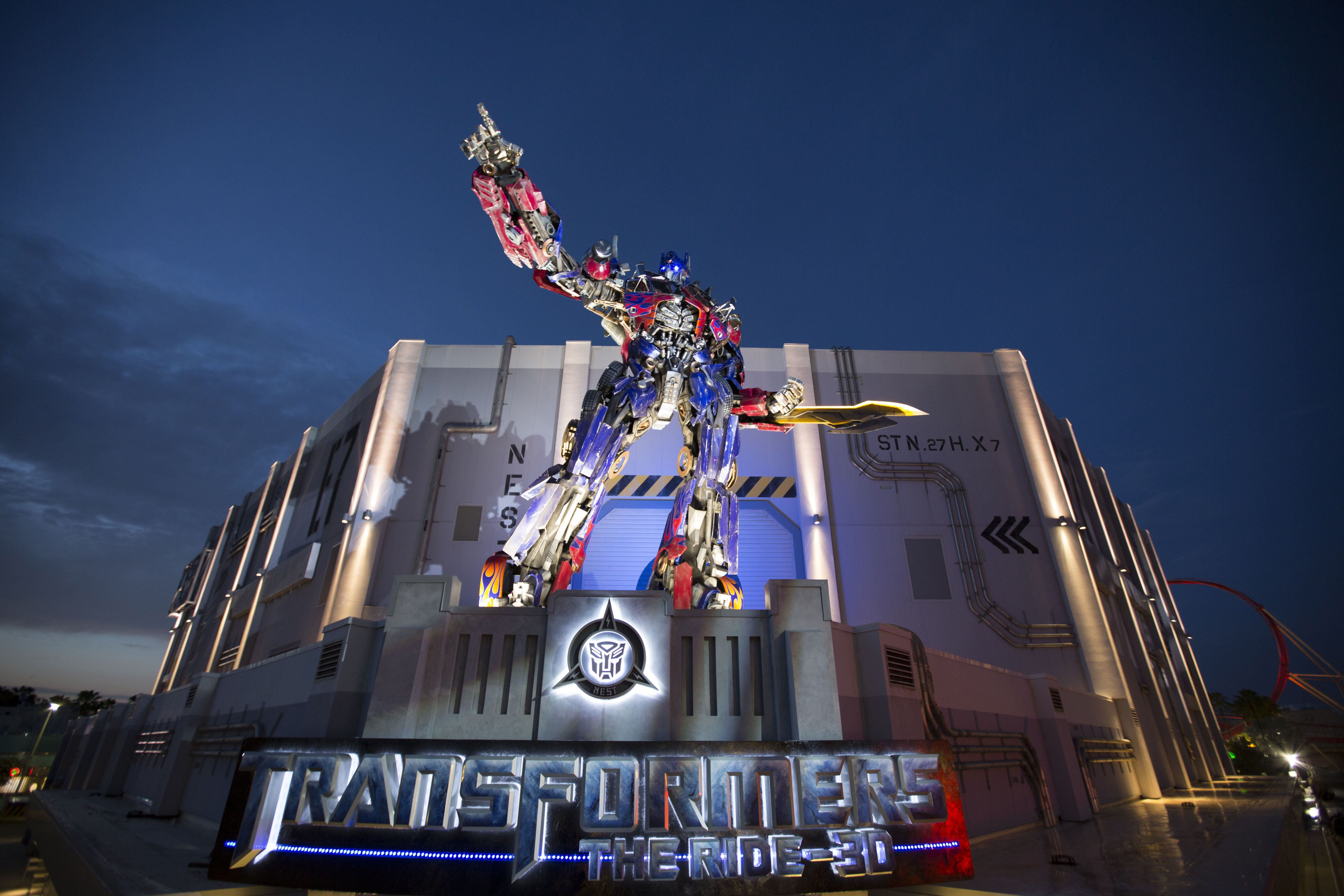 Review of Universal Studios' Transformers: The Ride 3D  Review of Unive...